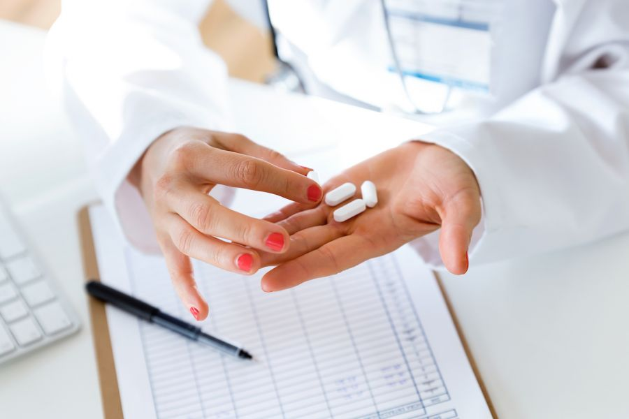 Photo of موارد مصرف قرص دیکلوفناک یا ولتادک ۱۰۰ و عوارض جانبی این دارو